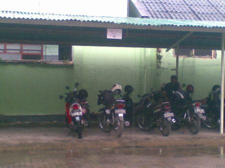 Tempat Parkir Sekolah